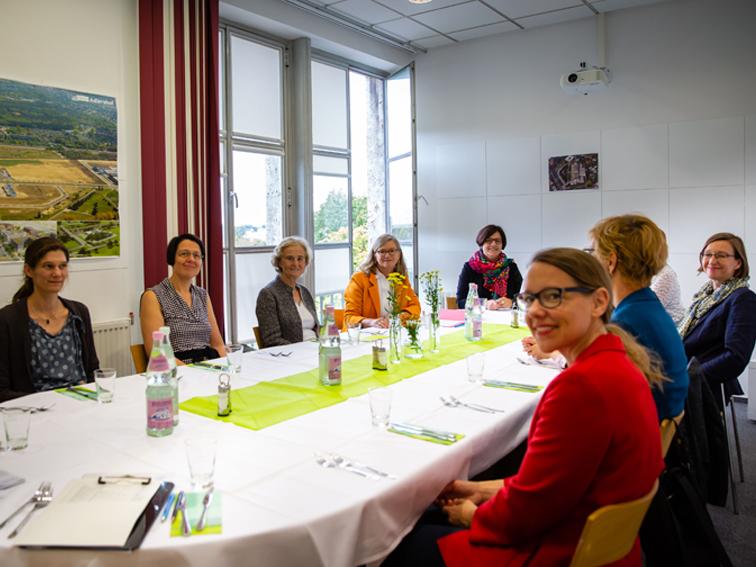 Ladies Lunch mit Prof. Dr. Karin Lochte @ Turmzimmer, 2. OG | Berlin | Berlin | Deutschland